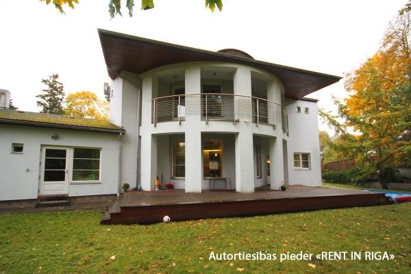 Pārdod māju, Siguldas iela - Attēls 1