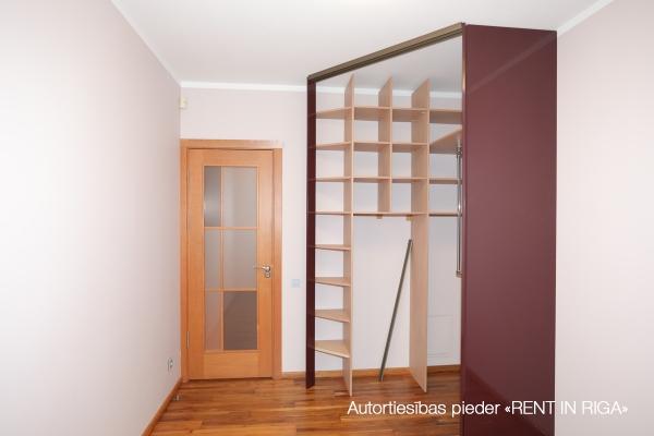 Продают квартиру, улица Ainavas 2A - Изображение 9