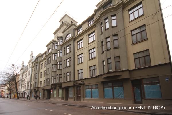 Pārdod tirdzniecības telpas, E.Birznieka Upīša iela - Attēls 1