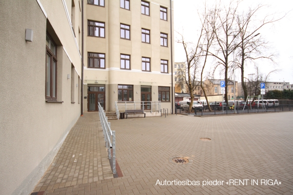 Pārdod tirdzniecības telpas, E.Birznieka Upīša iela - Attēls 13