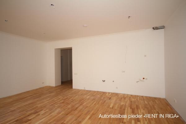Pārdod dzīvokli, E.Birznieka Upīša iela 10 - Attēls 3