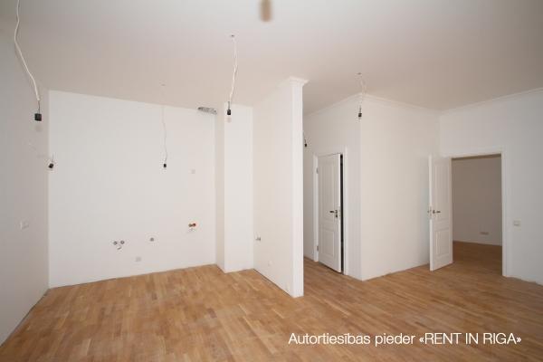 Pārdod dzīvokli, E.Birznieka Upīša iela 10 - Attēls 4