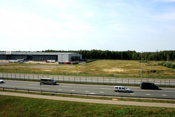 Pārdod zemi, Siguldas šoseja - Attēls 1