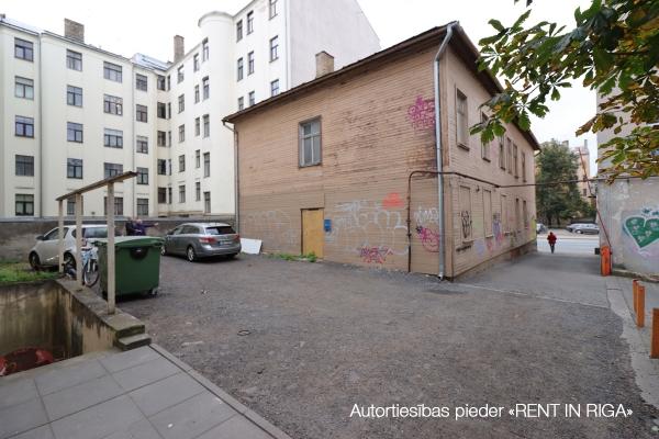 Pārdod māju, Brīvības iela - Attēls 3