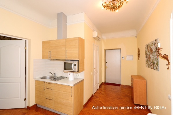 Izīrē dzīvokli, Ernesta Birznieka Upīša iela 27 - Attēls 3